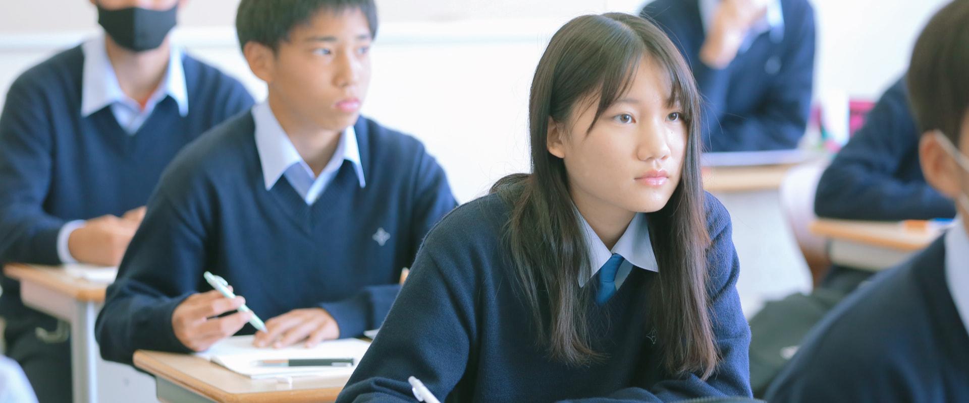教室内の女子生徒